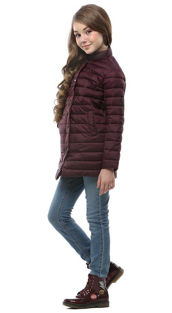 Стеганная детская курткаКуртки<br><br><br>Размер: 116-122, 128-134, 140-146, 152-158<br>Материал: Био-пух<br>Цвет: Бордовый<br>Сезон: Демисезон<br>Длина: Средняя<br>Артикул: SG170209